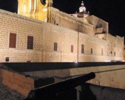 22 Abril Gozo y Festival Internacional de Fuegos Artificiales Día 1 Xhagra (60)