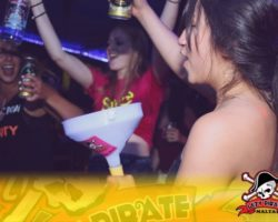4 Junio DERECHO EN LA LAZY PIRATE BOAT PARTY (10)