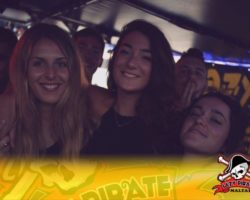 4 Junio DERECHO EN LA LAZY PIRATE BOAT PARTY (13)