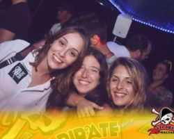 4 Junio DERECHO EN LA LAZY PIRATE BOAT PARTY (14)