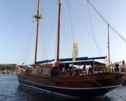 4 Junio DERECHO EN LA LAZY PIRATE BOAT PARTY (17)
