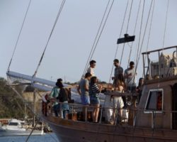 4 Junio DERECHO EN LA LAZY PIRATE BOAT PARTY (18)