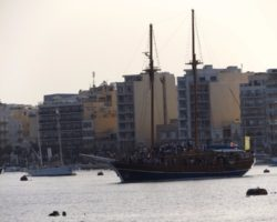 4 Junio DERECHO EN LA LAZY PIRATE BOAT PARTY (27)