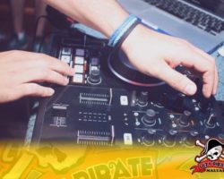 4 Junio DERECHO EN LA LAZY PIRATE BOAT PARTY (37)