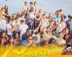 4 Junio DERECHO EN LA LAZY PIRATE BOAT PARTY (38)