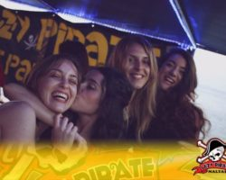 4 Junio DERECHO EN LA LAZY PIRATE BOAT PARTY (9)