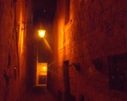 ABRIL MDINA BY NIGHT (26)