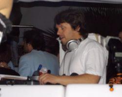 JUNIO SUNGLASSES AT NIGHT EN EL CAFÉ DEL MAR (11)
