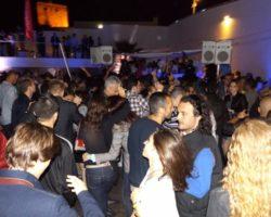 JUNIO SUNGLASSES AT NIGHT EN EL CAFÉ DEL MAR (2)