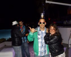 JUNIO SUNGLASSES AT NIGHT EN EL CAFÉ DEL MAR (23)